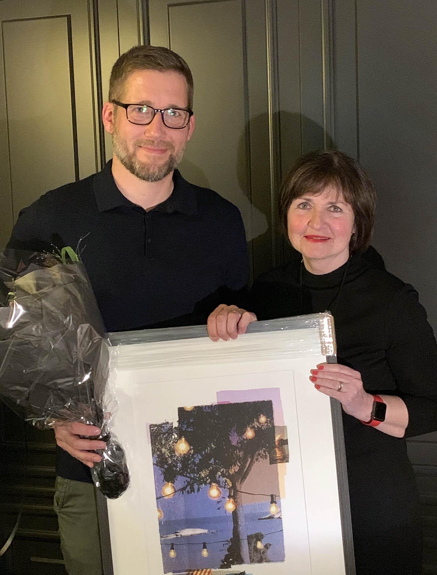 Prisvinner Lars Aarvåg Amundsen og leder av NFSP, Ingjerd Meen Lorvik